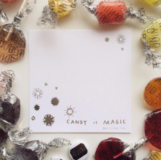 Gift Cards bedazzled with snowflakes and stars. photo from @quincandy